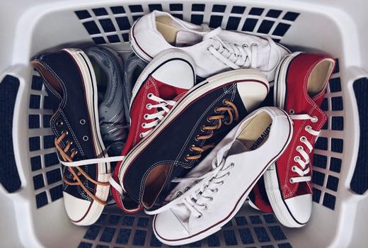 10 начина да се спасите от миризливи обувки и крака